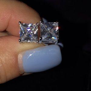 🔴🔴Sterling Silver CZ Stud Earrings